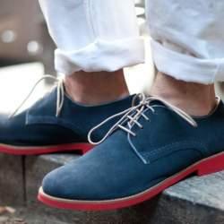 実は簡単だったスエード靴のお手入れ。3つの手順を踏めば、1日10分でケアできる!