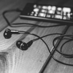 こだわりを感じて音楽を楽しむ。音の違いを感じられる高品質な高級イヤホン3選