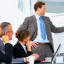 相手に好印象を与えるネクタイの色・柄とは? デキる男はシーンによってネクタイを使い分ける!