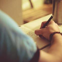 名門大学から学ぶ、世界に通用する文章作成術。 『シカゴ・スタイルに学ぶ論理的に考え、書く技術』
