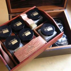 革独自の味わいある変化を楽しむ。初心者が知っておくべき、革靴のケアに欠かせないブランド3選