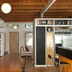 おしゃれな部屋には共通する特徴がある。見せる収納を始めるための3つの方法