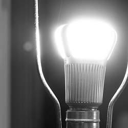 インテリア的にもメリットがたくさん。部屋の照明をLED電球に変えれば、部屋が美しくなるかも