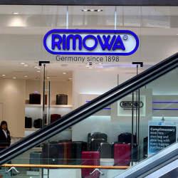 無骨なカッコよさで中身を守る。RIMOWAのアルミ製スーツケースの魅力