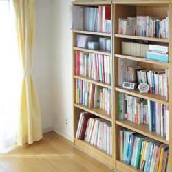 利用用途が少ない本棚はいらない。自由自在に使用方法を変えることができるカラーボックスの魅力