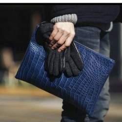 「安物買いの銭失い」にはならない。クラッチバッグ買うなら上質ブランドの一品を。