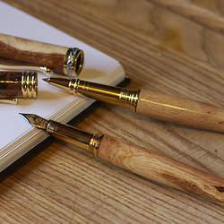 木の温もりを感じられる逸品がここに。見た目も機能も美しい木製ボールペン3選