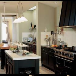 もはやインテリアの一部。キッチンに置くと生活が楽しくなるデザイン家電