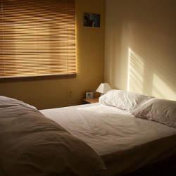 """毎日快適な目覚めを実現。ベルの音にドキッとしない、""""優しい""""目覚まし時計3選"""