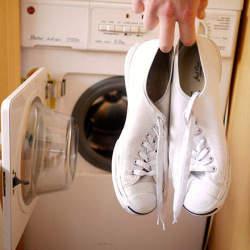 頭を悩ますキャンバススニーカーの汚れ。この夏実践したい「洗濯機」を使った簡単な洗い方