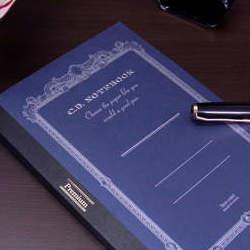 ジェントルマンのような高貴さ。どんなペンでも滑らかな書き心地が得られる「紳士なノート」