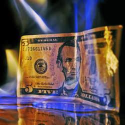 便利なクレジットカードにも大きな落とし穴が……。クレカを使うのであれば意識しておきたいデメリット