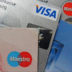 クレジットカードが使えない! 突然のアクシデントの大半は「磁気」が原因だった