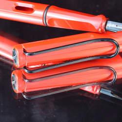 「リーズナブルな万年筆」というだけじゃない。LAMY サファリの魅力を徹底解剖