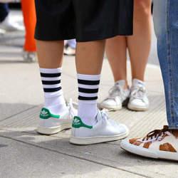 夏のキーアイテム:スニーカー&サンダルに合わせる「靴下」はこう選べ! 最も軽視される足もとお洒落