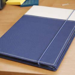 カバーを付けるだけで便利さが何倍増しにも。コクヨのカバーノート「SYSTEMIC」