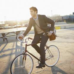 自転車通勤でスマートに、おしゃれに。自転車通勤におすすめしたい珠玉のクロスバイク5選