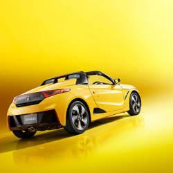 国産スポーツカーを牽引する「ホンダ」。S660が世界クラスのスポーツカーと名高い理由(ワケ)