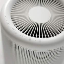 デザインと機能を両立した優等生。無印良品の空気清浄機「MJ-AP-1」でスタイリッシュな生活を