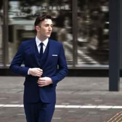 """2万円台のスーツが20万円のスーツを凌駕する。スーツの着こなしにおける""""フィット感""""の重要性"""