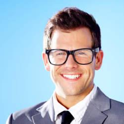 ビジネスシーン向きのメガネは? ビジネスマンのためのメガネの選び必勝講座