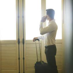 アルミ製スーツケース買うならこの3ブランドで決まり。男に愛される堅牢なスーツケースを厳選