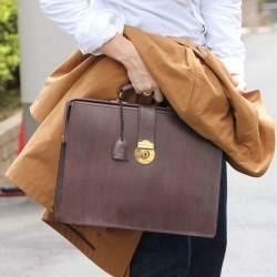 """ブライドルレザーの鞄が、ワンランク上のビジネスマンに選ばれる理由:英国紳士の""""スタンダード"""""""