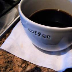 デザインの優れたコーヒーメーカー3選:自宅でカフェのようなひと時を