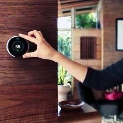 Googleが32億ドルで買収。住宅空間のあらゆるデータ収集を狙う「Nest」のビジネスモデル