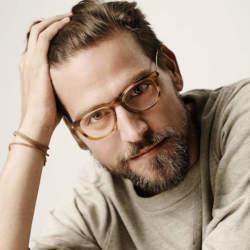 おしゃれメガネを展開するブランド4選。秋ビジスタイルは「目元」から見直す必要アリ?