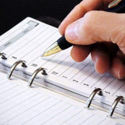 仕事とプライベートの手帳は使い分けるべき? ビジネスマンに最適な手帳の使い方を考えてみた