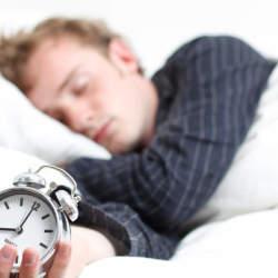 寝ても寝ても眠いのはあたりまえ! 疲れや眠気が取れないときに試してほしい改善策