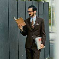 秋冬スーツの新定番「ブラウンスーツ」:ブラウンスーツのおしゃれな着こなしでワンランク上を目指す