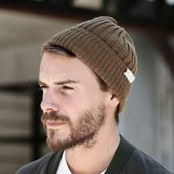 前髪、耳は出すのが正しい? メンズニット帽のかぶり方&おしゃれな着こなし術