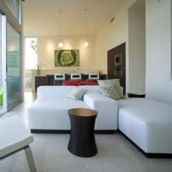 ソファーのデザインをおしゃれに変えるソファーカバーという存在。季節ごとにデザインを変えよう