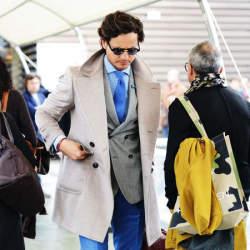 スーツに合わせるコートはこれ! ビジネスシーンにもマッチするお洒落な3つのコートたち