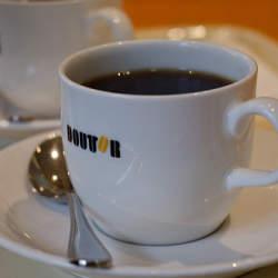 """本当のコーヒー好きを虜にする""""知られざる経営戦略""""『なぜ気づいたらドトールを選んでしまうのか?』"""