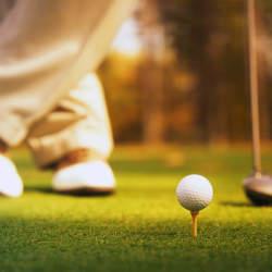 今さら聞けない、ゴルフの服装マナー。基本から学ぶ、秋冬におすすめの洒脱な着こなしとは?