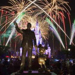 """顧客満足世界一! 職場でも活かせる""""成功の魔法""""とその秘密に迫る:『ディズニー7つの法則』"""