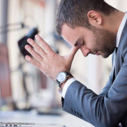"""仕事でミスが多い人へ送る。ミスを招く原因の""""3悪人""""とは:『なぜかミスをしない人の思考法』"""