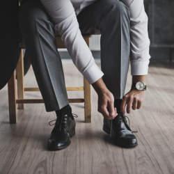 革靴の紐、買ったときの結び方のまま?シーン別ビジネスシューズの紐の結び方