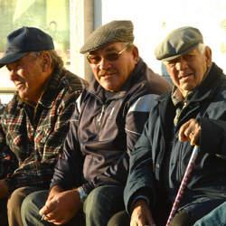 【高齢者の貧困率ランキング】世界で4番目に高齢者に優しくない国・日本。その理由は?