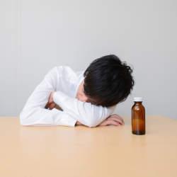 【風邪薬と栄養ドリンクは併用NG】風邪を引いたとき、正しい栄養ドリンクの飲み方とは?