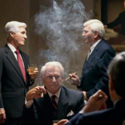 """""""人事は喫煙室で決まる?"""" 「タバコ×休憩=タバコミュニケーション」を巡る仕事場での賛否の声"""