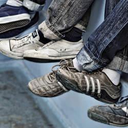 「お気に入りのスニーカーが汚れてしまった」さてどうする? 汚さない秘策と、汚れを落とす極意を伝授