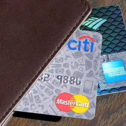 クレジットカードのサイズやサイン、仕様って会社で違うの? クレジットカードの秘密に迫る。