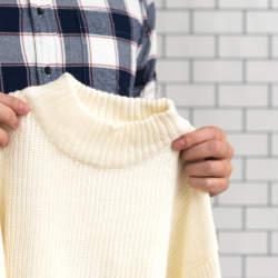 セーターにできてしまう毛玉を簡単に取る裏技をご紹介!身近にあるアイテムを使った簡単毛玉取りテク