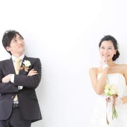 結婚したら年金手帳の氏名変更は必要?変更の方法は?