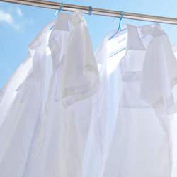 「シワひとつ付けない」ワイシャツ収納術:型崩れ・シワを防ぐワイシャツのたたみ方を紹介!