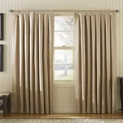 部屋が七色に変わるカーテンの色選び。カーテンの色でワンランク上の部屋作りを